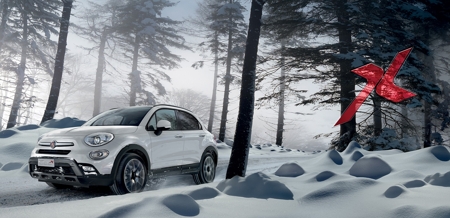 Fiat 500 X Driving in Snow